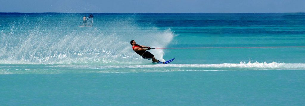 Ibiza-Water-Toys-Deportes-Acuáticos-Esqui-Ski
