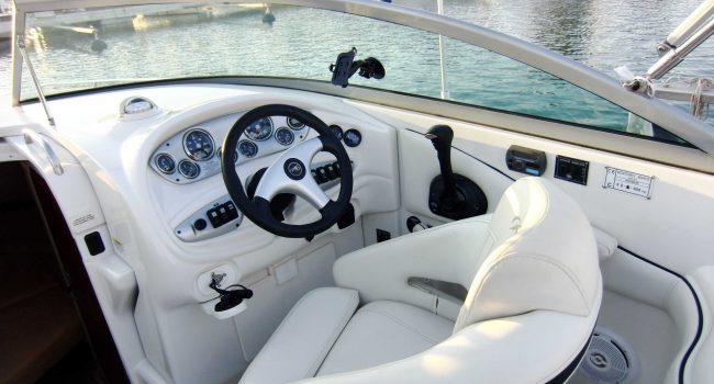 Monterey-268-SC-Cabinada-Alquiler-Lancha-Motorboat-Ibiza.JPG-10
