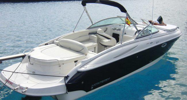 Monterey-268-SC-Cabinada-Alquiler-Lancha-Motorboat-Ibiza.JPG-14