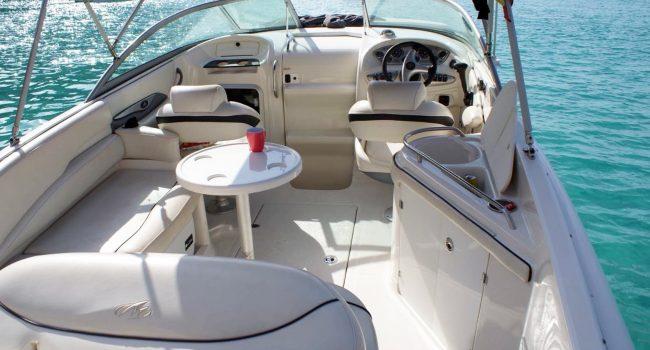 Monterey-268-SC-Cabinada-Alquiler-Lancha-Motorboat-Ibiza.JPG-2