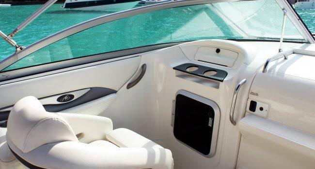 Monterey-268-SC-Cabinada-Alquiler-Lancha-Motorboat-Ibiza.JPG-3