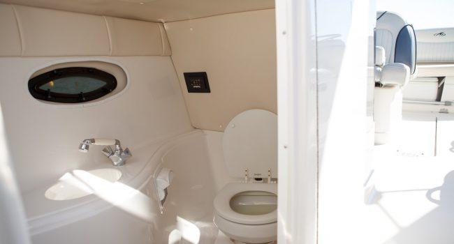 Monterey-298-Karibu-Machine-Ibiza-Lancha-Motorboat-Rent-Barcoibiza-7