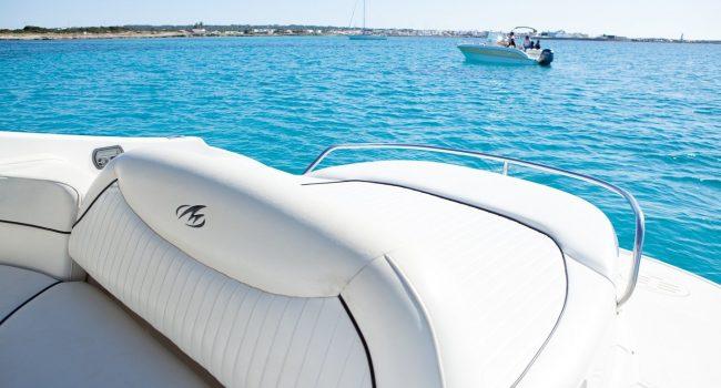 Monterey-298-Karibu-Machine-Ibiza-Lancha-Motorboat-Rent-Barcoibiza-8
