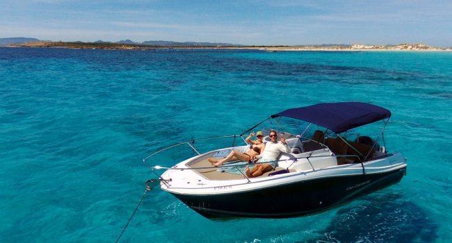 Alquiler Cap Camarat 750 WA Motorboat Lancha Motora Barcoibiza