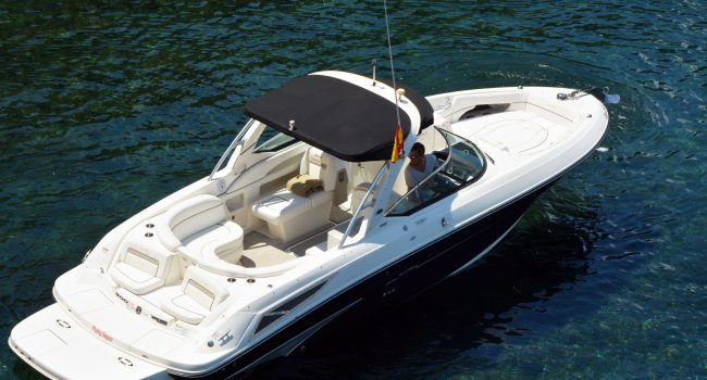 Alquiler lancha motora motorboat Sea Ray 300 SLX Flip Flops en Ibiza con Barcoibiza