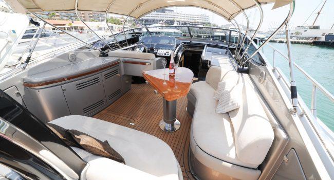 Riva-Rivale-52-Invictus-Yacht-Alquiler-Rental-Barcoibiza