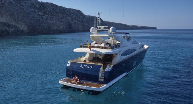 Yate Kirios Astondoa 102 Flybridge 5 Cabinas Ibiza
