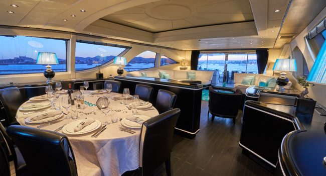 Mangusta 130 Shane Interior 01 Salon-06