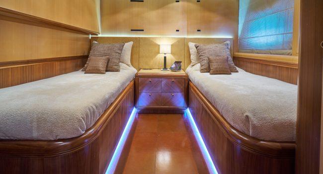 Mangusta 130 Shane Interior 06 TWIN Cabin-01
