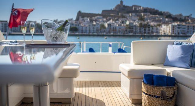Yacht Mangusta 72 Gaia Sofía Ibiza Rental Yacht Barcoibiza-12