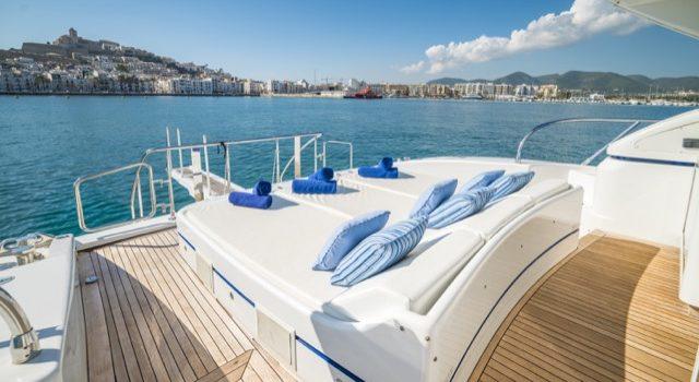 Yacht Mangusta 72 Gaia Sofía Ibiza Rental Yacht Barcoibiza-14