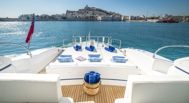 Yacht Mangusta 72 Gaia Sofía Ibiza Rental Yacht Barcoibiza-15