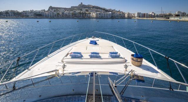 Yacht Mangusta 72 Gaia Sofía Ibiza Rental Yacht Barcoibiza-16