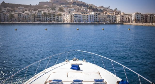 Yacht Mangusta 72 Gaia Sofía Ibiza Rental Yacht Barcoibiza-17