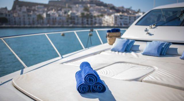 Yacht Mangusta 72 Gaia Sofía Ibiza Rental Yacht Barcoibiza-18