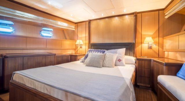 Yacht Mangusta 72 Gaia Sofía Ibiza Rental Yacht Barcoibiza-41