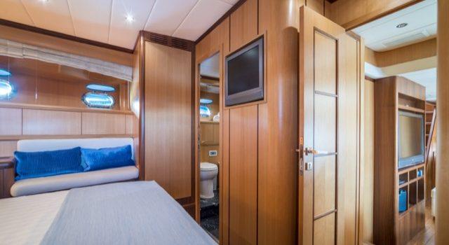 Yacht Mangusta 72 Gaia Sofía Ibiza Rental Yacht Barcoibiza-42