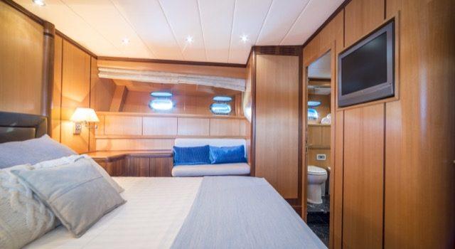 Yacht Mangusta 72 Gaia Sofía Ibiza Rental Yacht Barcoibiza-43