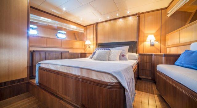 Yacht Mangusta 72 Gaia Sofía Ibiza Rental Yacht Barcoibiza-46