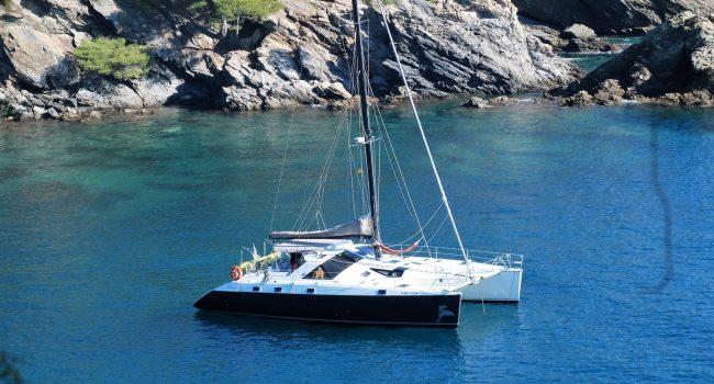 Catamarán 5 camarotes de alquiler en Ibiza Privilege 51 Montagu