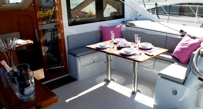 Catamaran Alquiler 5 cabinas Privilege 51 Montagu Ibiza