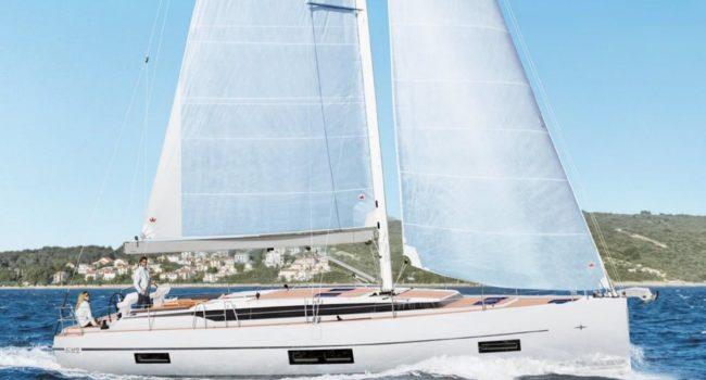 Velero 4 cabinas de alquiler en Ibiza Bavaria C45 Style