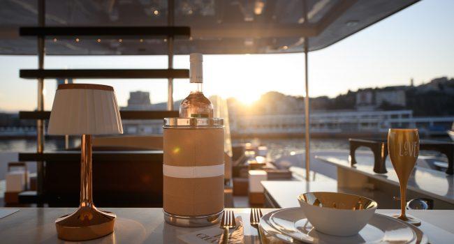 SAVONA, ITALIEN - 30.07.2018: Fotoshooting Hotel-Yacht 'Goldfinger'  Foto: Philipp Guelland